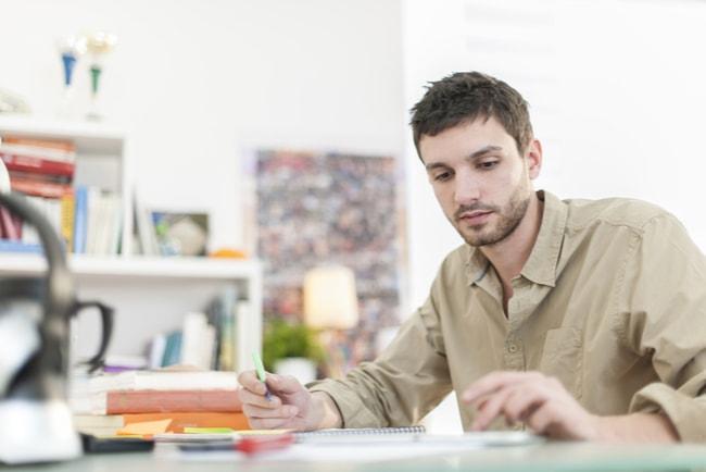 Student studerar
