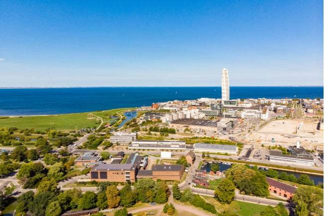 Vy över Malmö storstad med omnejd.